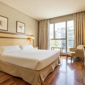 Disabled accessible room Hotel ILUNION Alcalá Norte Madrid