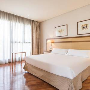 Room with sitting room Hotel ILUNION Alcalá Norte Madrid